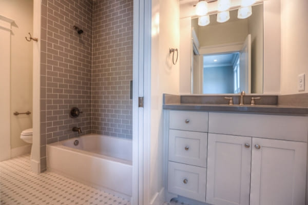 Custom bathroom in Houston, Texas home by Southern Green Builders