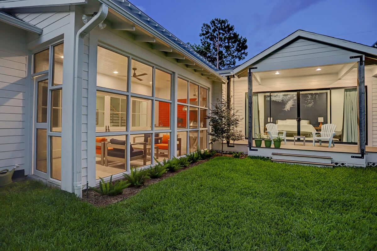 Ashland 1418 Houston Additon & Remodel Screened in Porch and Sunroom View