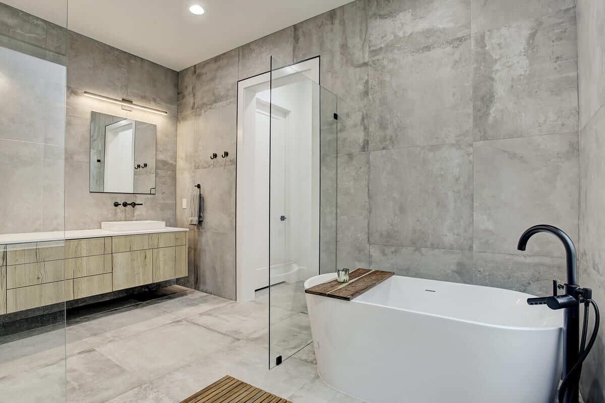 Oxford Street Home Remodel Modern Bathtub