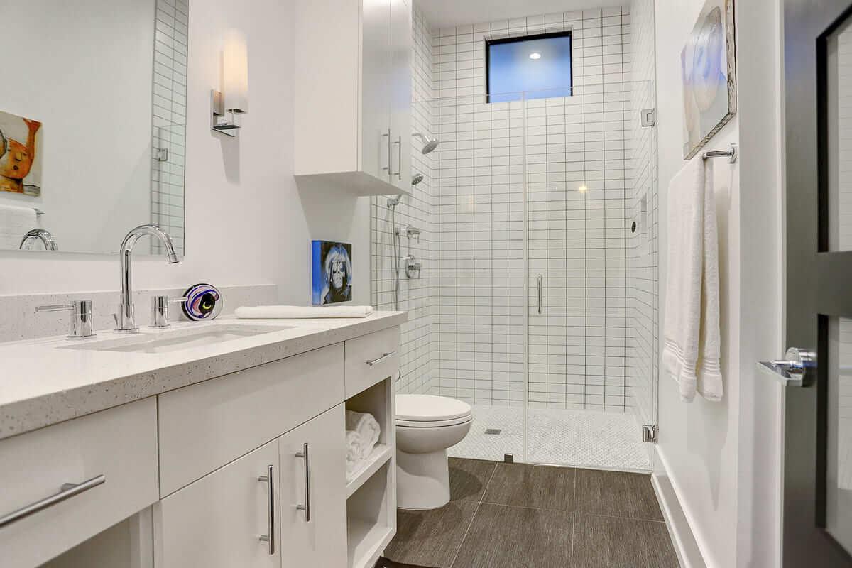 Lawrence Bathroom