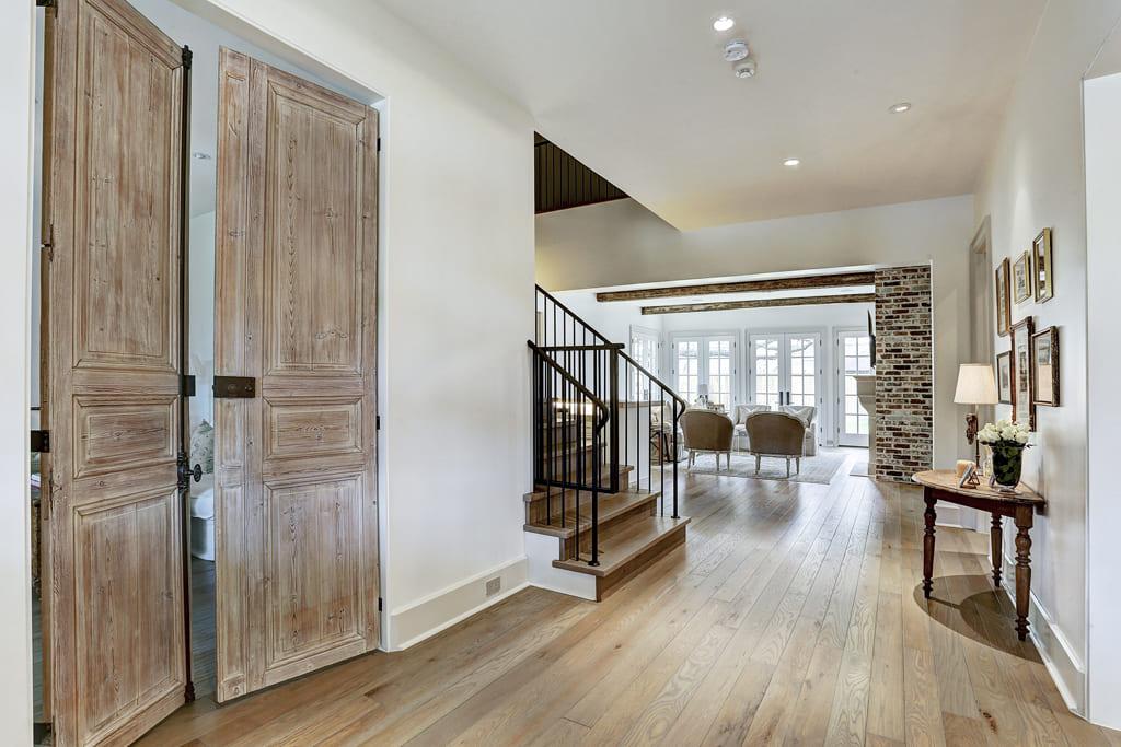 Willers Way entryway in luxury custom home in Houston